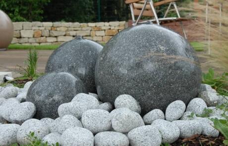 Kugelbrunnen aus Granit