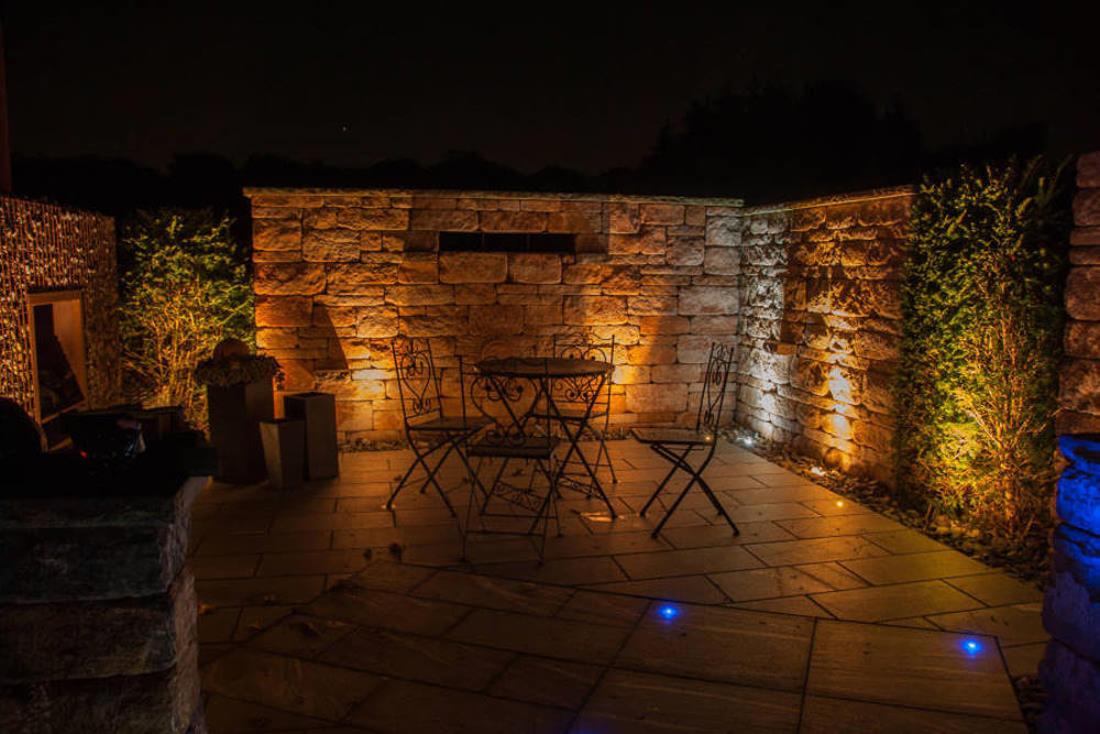 santuro mauer beleuchtet | traumgarten, Garten Ideen