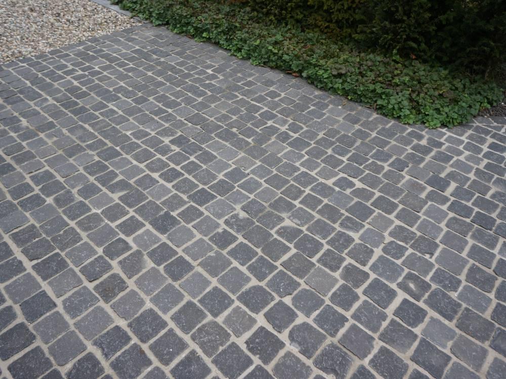 Basalt natursteinpflaster im reihenverband traumgarten - Verlegemuster natursteinpflaster ...