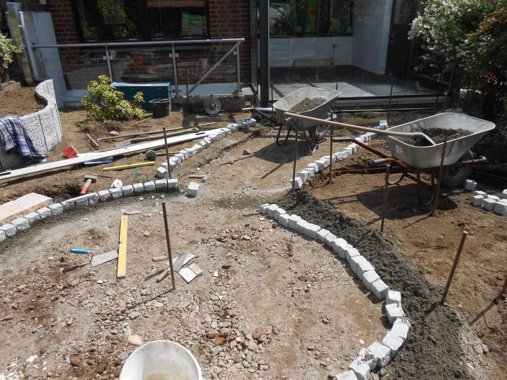 Bau von Wegen aus Natursteinpflaster