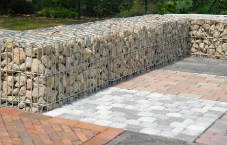 Gabione mit Sandstein befüllt