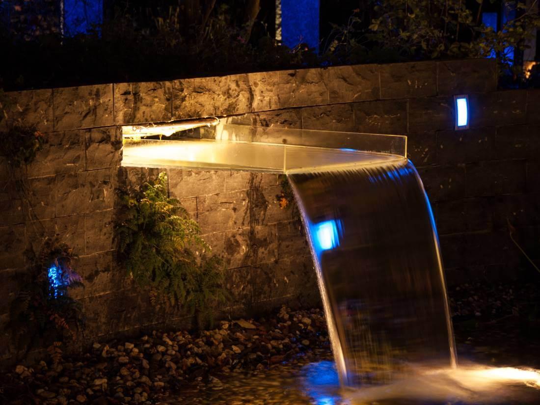 led beleuchtung wasserfall | traumgarten, Garten Ideen