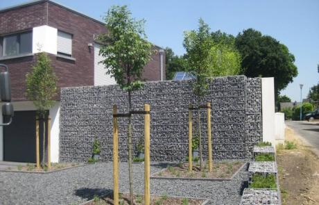 Stützwand aus Gabionen