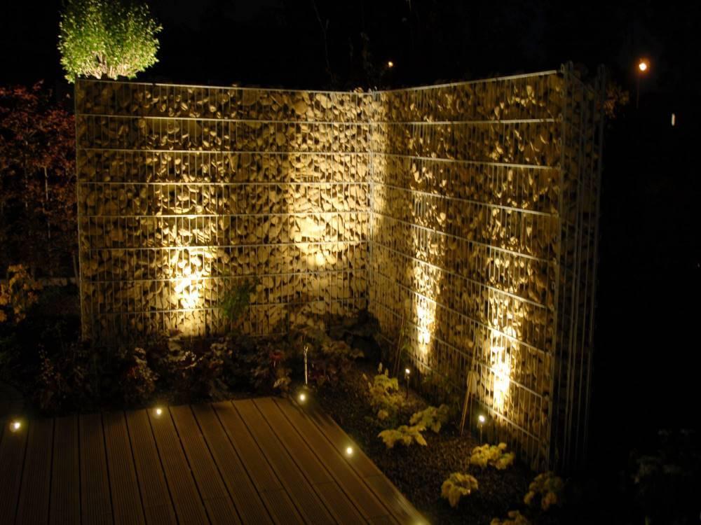 steinzaun beleuchtet traumgarten. Black Bedroom Furniture Sets. Home Design Ideas