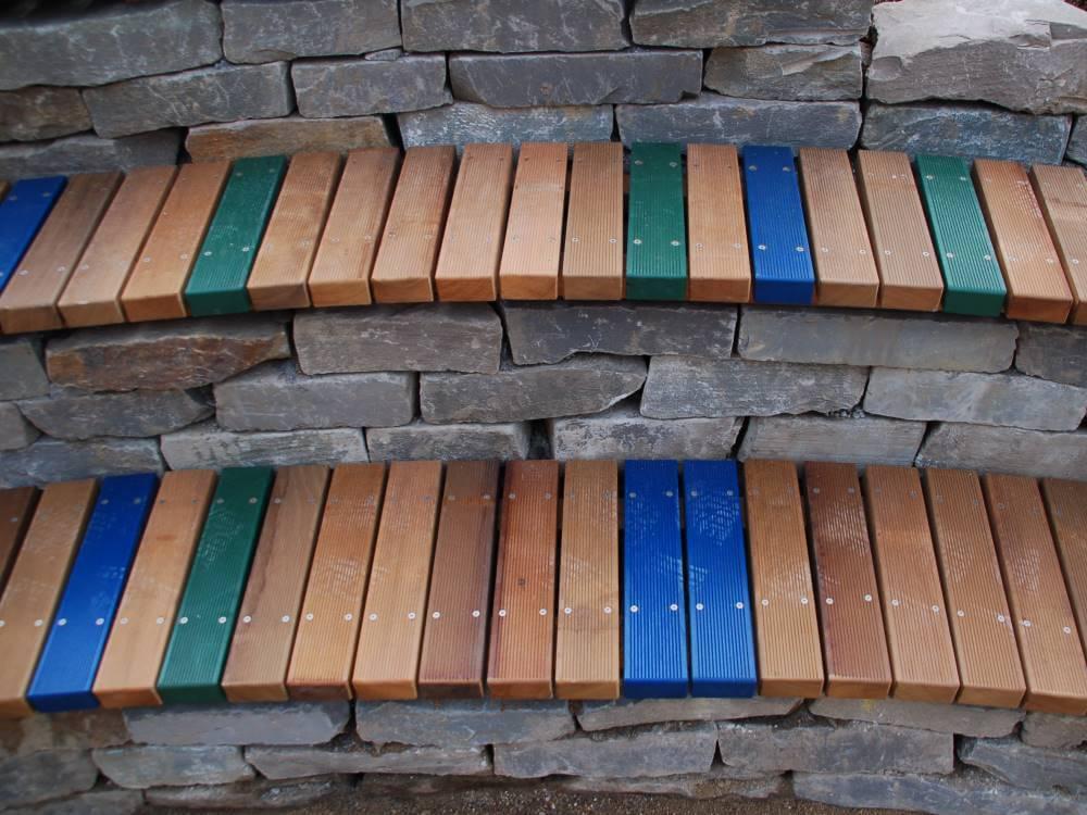 Farbig lasierte Sitzauflagen