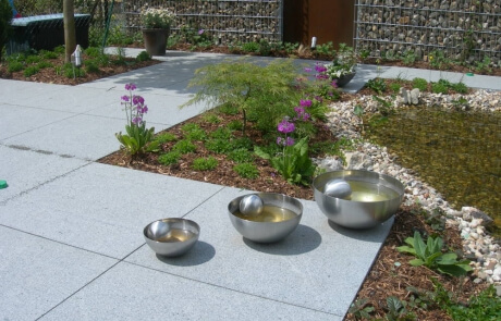 grossformatige Natursteinplatten aus Padang Granit