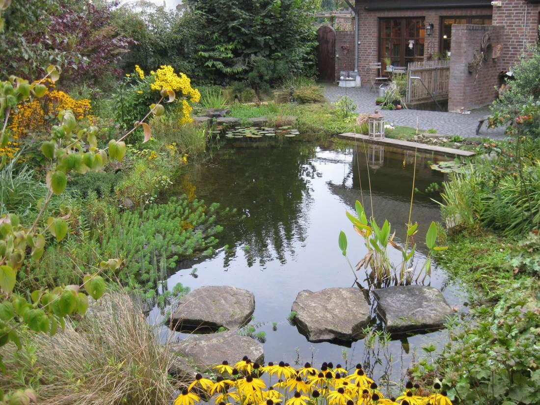 Naturnaher garten galabau m hler naturgarten for Garten randgestaltung