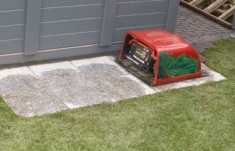 Garage Mähroboter